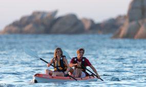 France, Finistère (29), Brignogan-Plages, kayak sur la pointe de Beg-Pol // France, Finistère, Brignogan-Beaches, kayak on the point of Beg-Pol